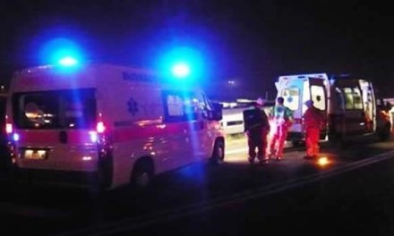 Melito. Incidente tra scooter e auto un morto
