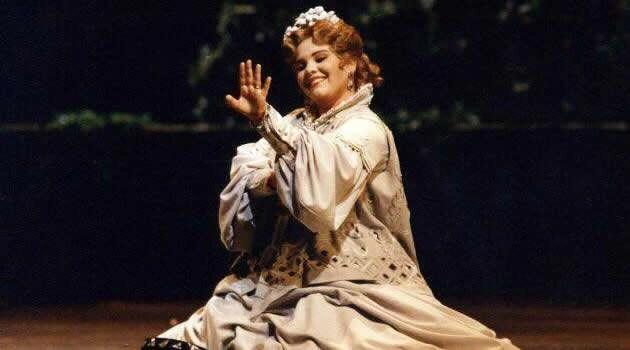 Lucia Mazzaria Faust Al San Carlo