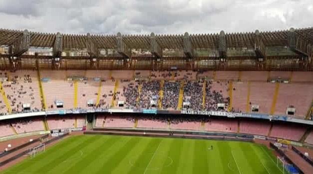 Stadio San Paolo sempre più vuoto: tifosi raggirati dal calcio italiano