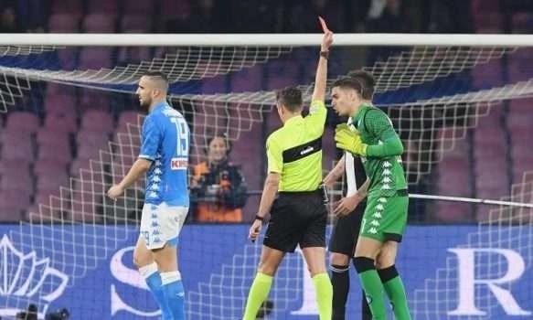 Sconfitta immeritata del Napoli contro la Juventus: la decide l'arbitro