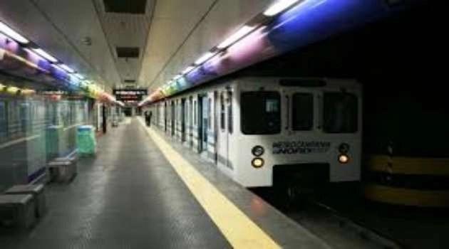 Un treno ogni 30 minuti: caos tra i pendolari