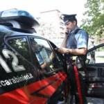 Investe due ragazze mentre fugge dalle forze dell'ordine