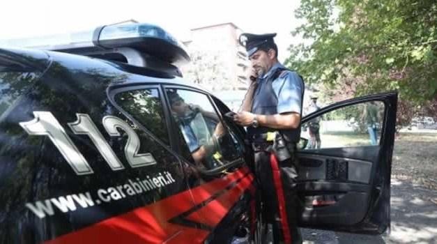 Non si era accorto dell'alt dei Carabinieri e tenta di investirli. Arrestato 30enne