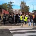 Melito. Manifestazione contro il degrado degli edifici scolastici