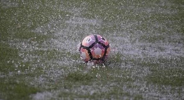 Calcio. Salta l'esordio del Melito: campo allagato e match rinviato