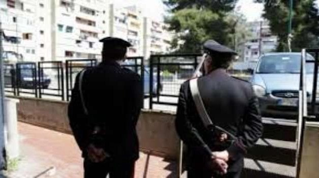 Blitz dei carabinieri in corso