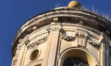 Allarme a Melito per le crepe alla cupola della Chiesa Madre