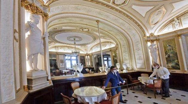 Napoli: riapre il Gambrinus dopo 3 mesi di chiusura