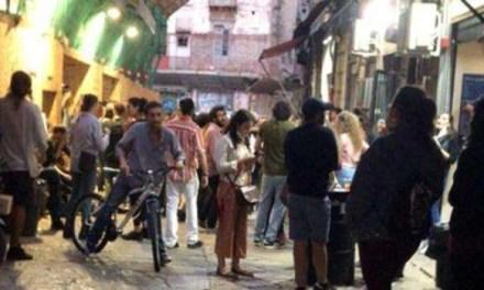 Fase 2, Napoli: una soluzione agli assembramenti