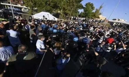 Contestazione ad alta tensione a Mondragone contro il leader leghista