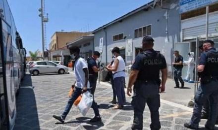"""Lago Patria. In arrivo 8 tunisini in quarantena:""""Non facciamo diventare la zona un ghetto"""""""