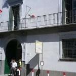 Positivo il custode di una biblioteca comunale nell'hinterland napoletano
