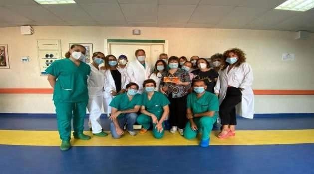Donna di Melito perde portafogli in ospedale: i sanitari, tramite un appello sui social, glielo restituiscono