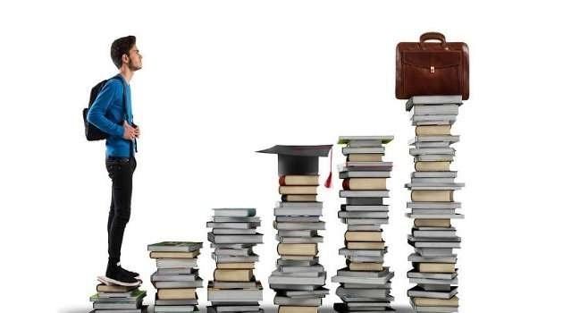 Bonus studenti per tutti ma agli universitari chi ci pensa?