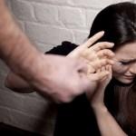Tossicodipendente di Ercolano aggredisce la moglie