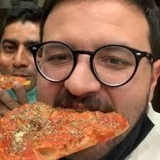"""Covid-19, Sant'Anastasia: cliente rifiuta la pizza perchè il cameriere è """"nero ed ha il coronavirus"""""""