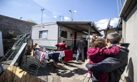 Napoli, cronaca. Il campo rom di Scampia diventa zona rossa