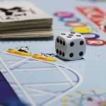Conciati per le feste: i migliori giochi in scatola da giocare in quattro