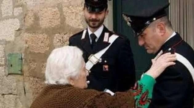 Napoli, cronaca Nonnina aggredita e picchiata dal figlio