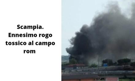 Scampia. Ennesimo rogo tossico al campo rom