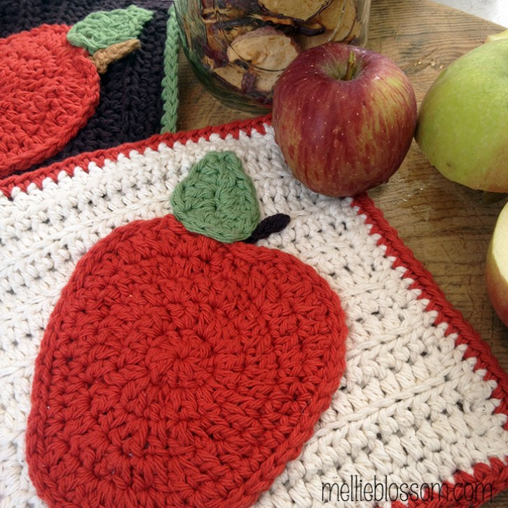 Free Apple Crochet Pattern