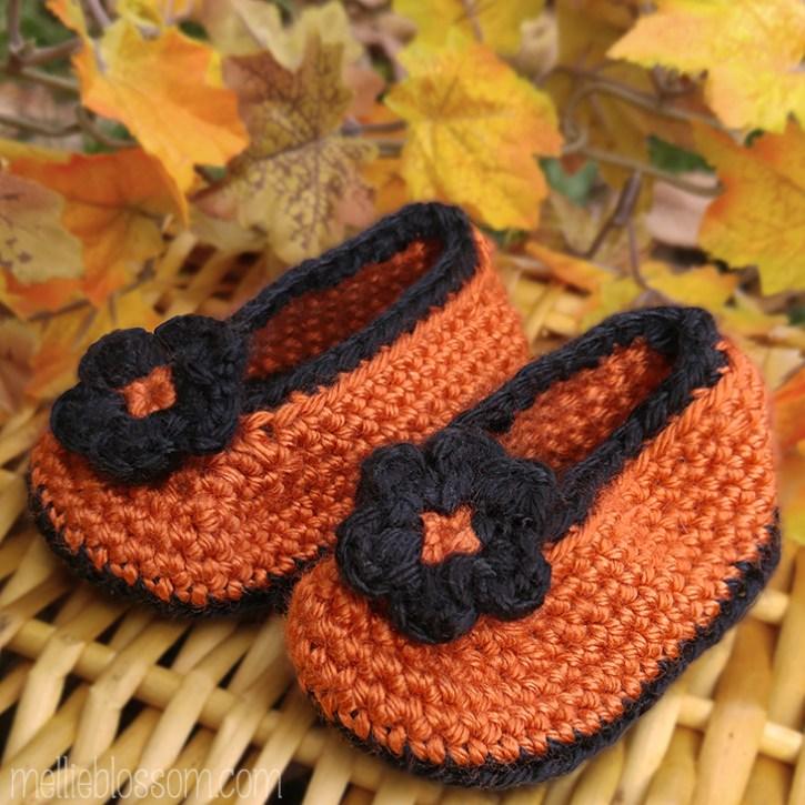 Crochet Halloween Booties - mellieblossom.com