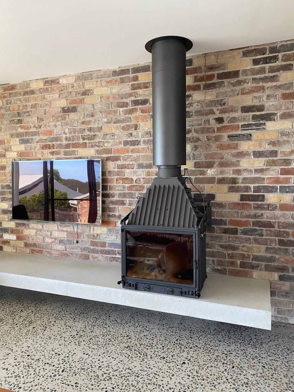 10-Grayspoint-recycled-brick-internal-fireplace-loungeroom