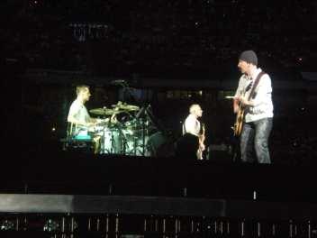 Larry Mullen, Adam Clayton e The Edge - U2 360 Tour - Milano