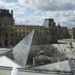 450px-piramide_louvre