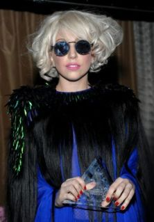 lady-gaga-billboard-3jpg