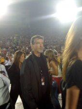 Pierce-Brosnan al concerto degli U2 2