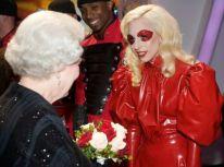 Lady GaGa e la regina Elisabetta 5