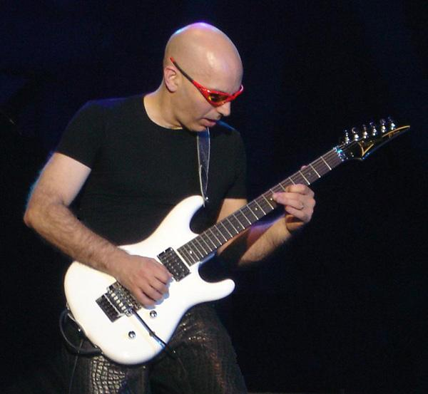 Joe Satriani in concerto in Italia per tre tappe del tour