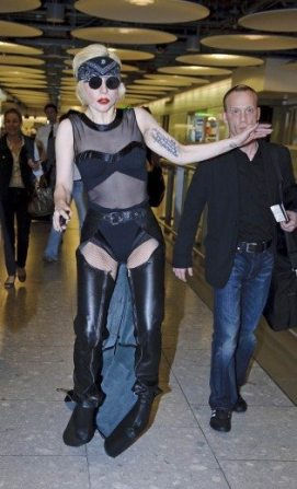 Lady GaGa atterra a Heathrow 12
