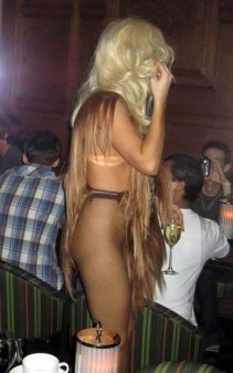 lady_gaga_vestito_capelli3