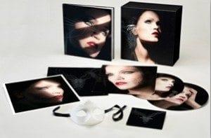 """Tarja Turunen pubblica un'edizione speciale di """"What Lies Beneath"""""""