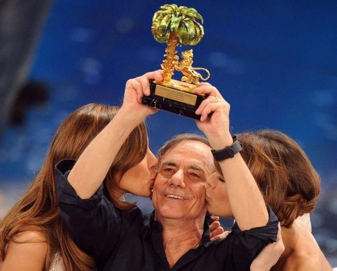 Sanremo 2011: trionfa l'amore di Vecchioni