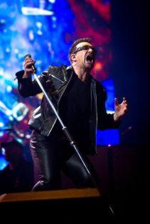 La grinta di Bono al Glastonbury 2011