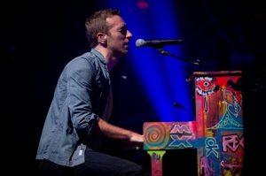 Chris Martin al piano