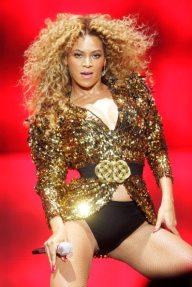 Sexy Beyoncé al Festival di Glastonbury