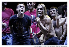 Iggy Pop e un fan scatenato
