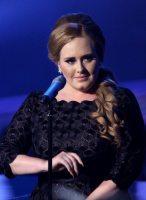 Adele trionfa ai VMA 2011