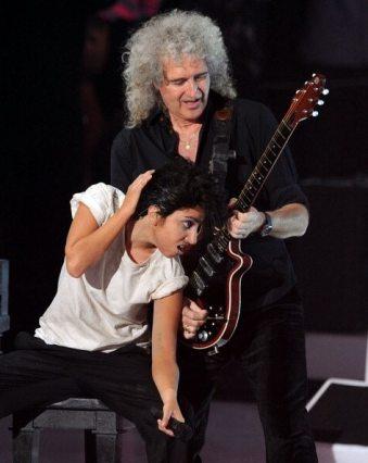 Performance Lady GaGa e Brian May