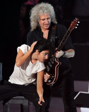 Performance Lady GaGa e Brian May