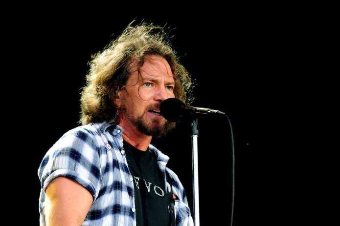 """I Pearl Jam regalano il nuovo brano """"Olè"""" in download gratuito"""