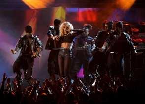 Rihanna esibizione ai Grammy Awards | © Kevin Winter / Getty Images
