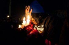 Fan di Whitney Houston all'arrivo della salma   © Dipasupil/Getty Images