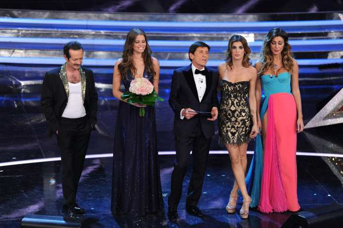 Sanremo 2012: musica protagonista della seconda serata. Eliminati 4 Big