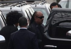 Stevie Wonder ai funerali di Whitney Houston | © Michael Nagle/Getty Images