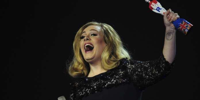 """Adele in scena con """"Skyfall"""" alla """"Notte degli Oscar 2013"""""""